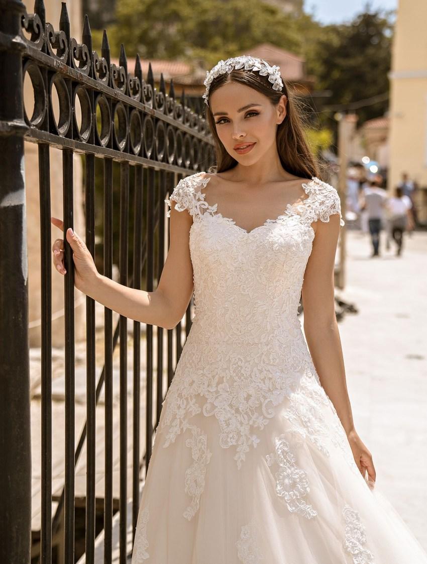 корсетное платье   Vero