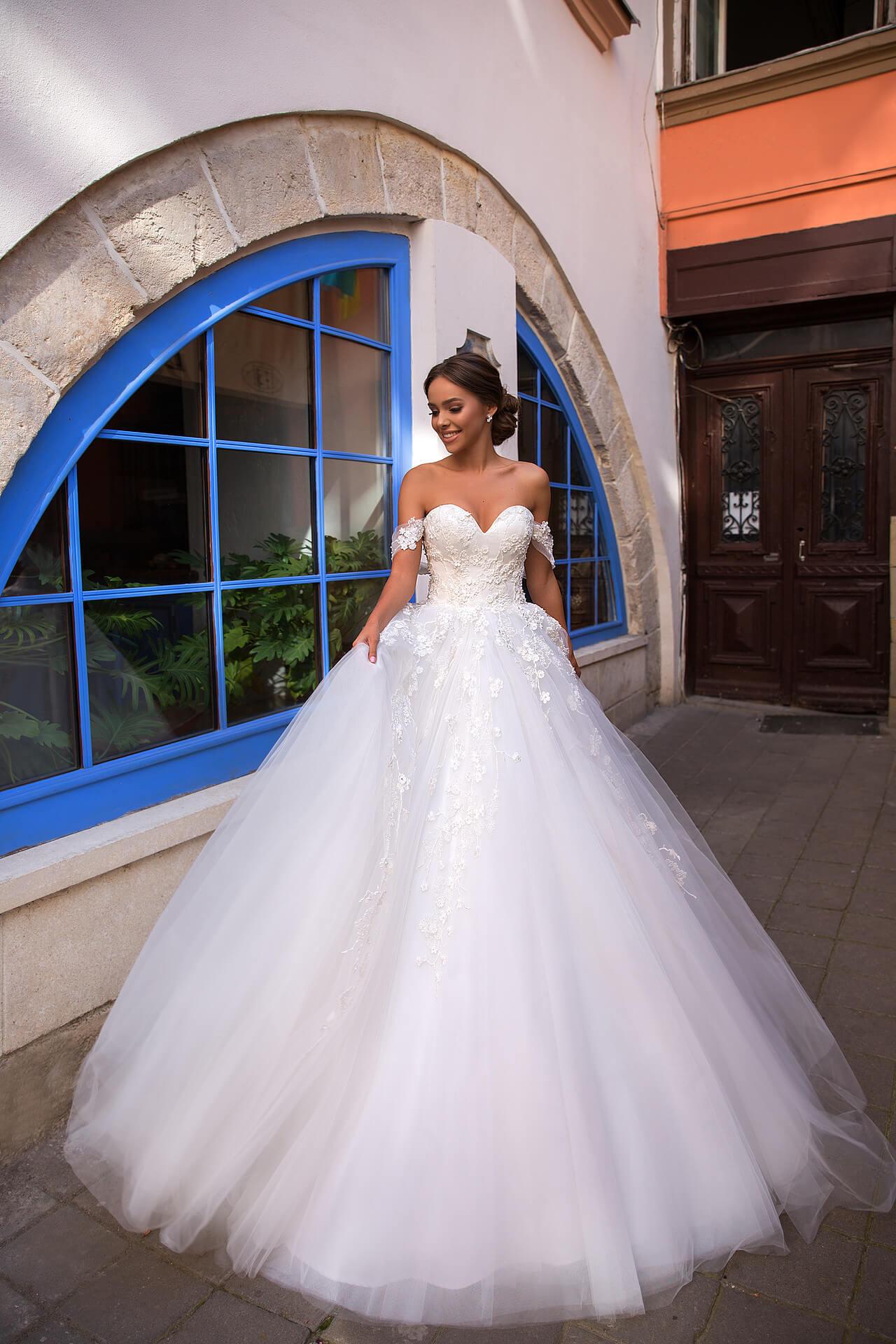 свадебное платье с декольте | Vero