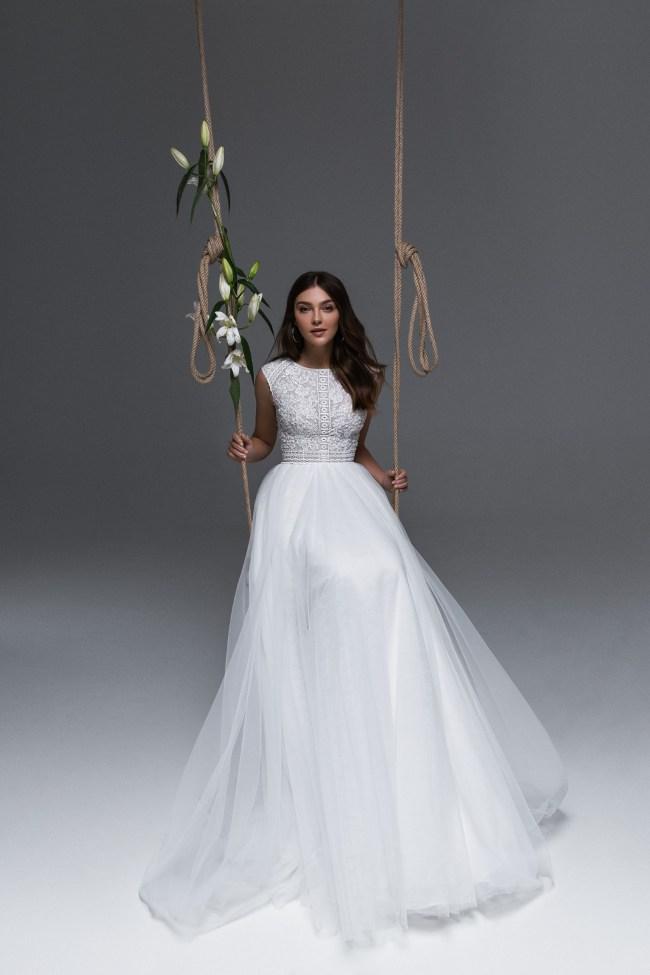 свадебные платья с шлейфом   Vero